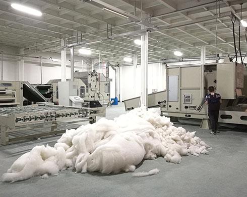 3台开包机被子生产线