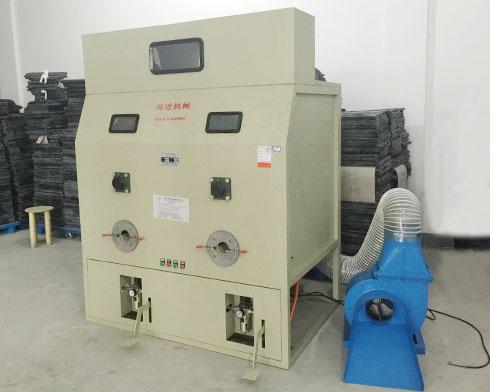 HJCM-12502送料充棉一体机械